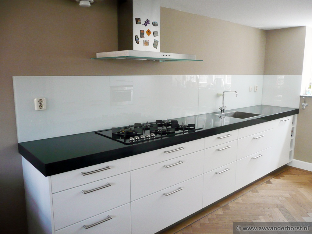 Werkblad Keuken Gamma : Glazen achterwand voor uw keuken Tieleman Keukens
