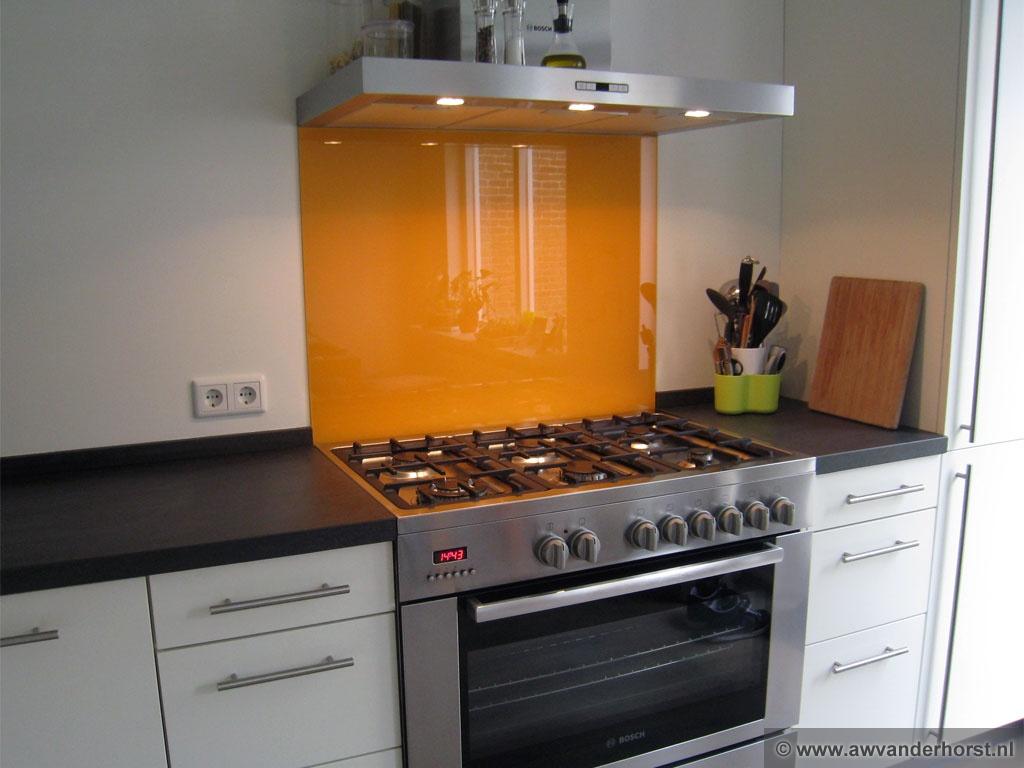 Natuursteen Achterwand Keuken : achterwand of natuursteen spatscherm. RVS en natuursteen combineren